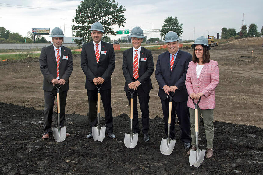 Bystronic welcomed guests and representatives of the press to the groundbreaking ceremony in Hoffman Estates.